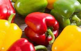 Is it good to have bell pepper in salad?