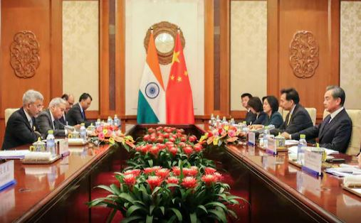 Jaishankar meets Chinese Foreign Minister, says- Unilateral change of status quo is unacceptable